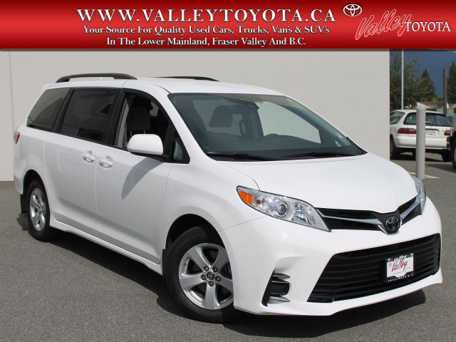 Certified Pre-Owned 2018 Toyota Sienna LE X-Shuttle Van